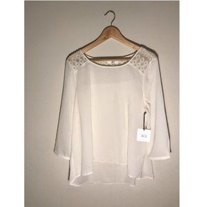 ✨Jack by BB Dakota (NWT) Lace Yoke Top Size L✨
